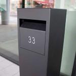 Monroe 30120, zwarte strakke brievenbus voor pakjes en post