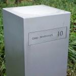 Toots 30100, Strakke design brievenbus in geparelstraald inox. Topklasse.