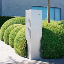 Toots 30120, strakke design brievenbus in geparelstraalde inox. Topafwerking