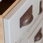 Meubelbeslag in verschillende stijlen en materialen