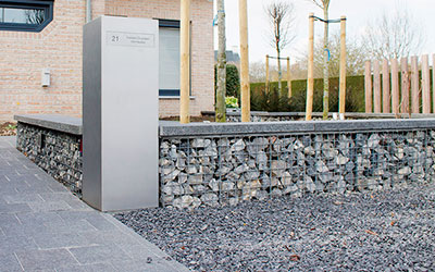brievenbus als onderdeel van lay-out tuinarchitectuur