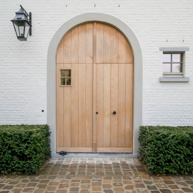 deurbel-pastoriestijl-aan-grote-poort-dauby