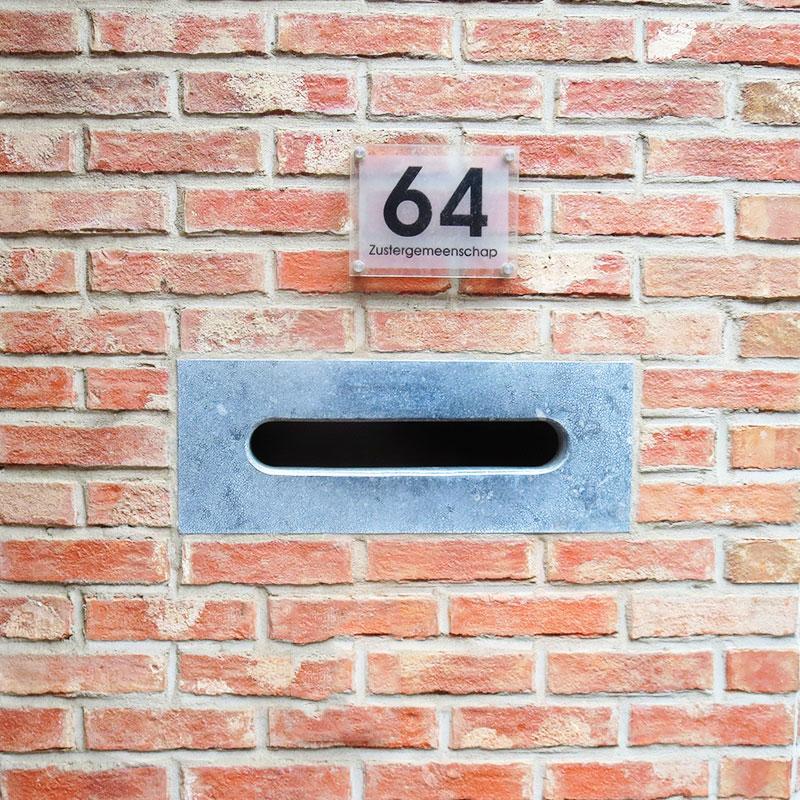 huisnummer op plexi